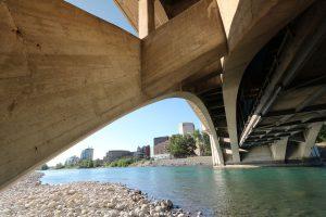Die Baukosten der Centre Street Bridge betrugen 1917 etwa $ 375.000.